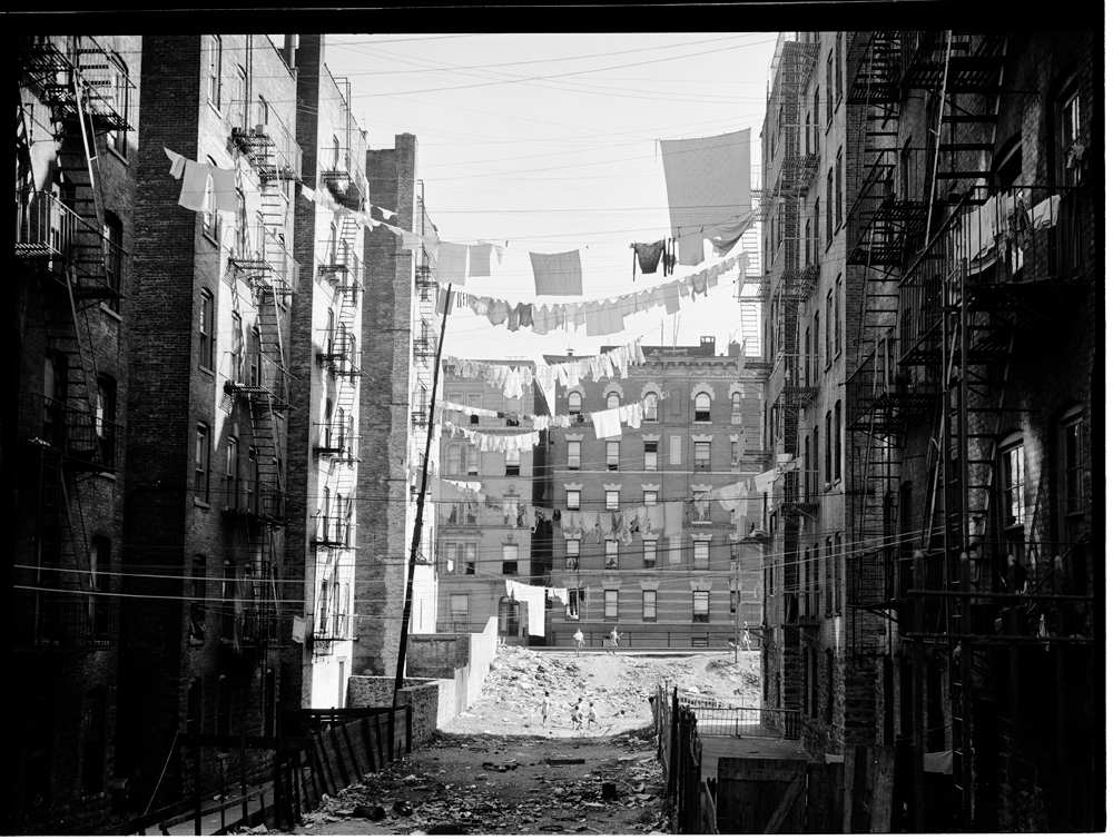 A fine line the art of the clothesline mcny blog new york stories sid solutioingenieria Gallery