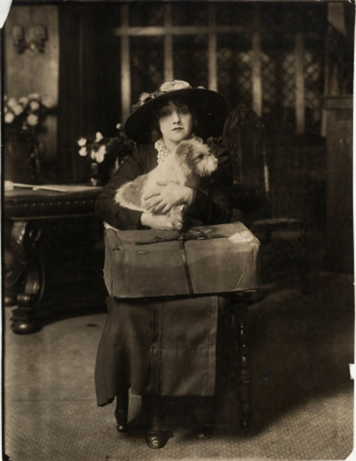 White Studio (New York, N.Y.). [Laurette Taylor as Peg with Michael the dog.] 1913. Museum of the City of New York. 34.79.521