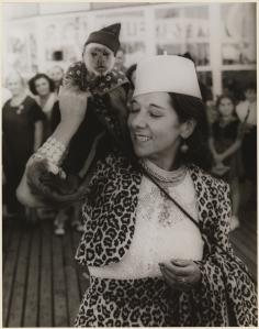 Carl van Vechten. Fania Marinoff, September 5, 1939. Museum of the City of New York. 42.316.347.