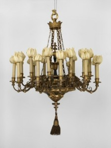 Chandelier before conservation