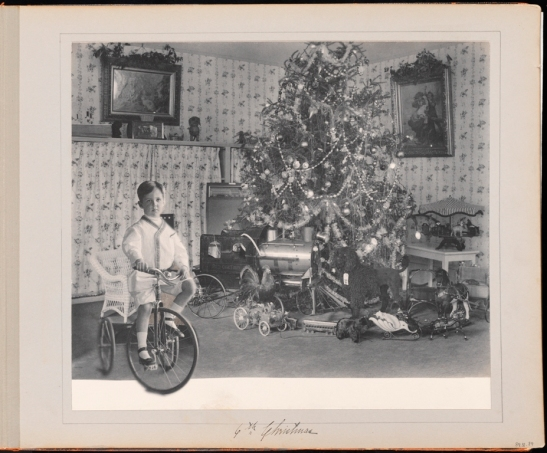 Unknown photographer. 6th Christmas [The first six years of William B. Leeds.] 1908. Museum of the City of New York. 89.3.1.41