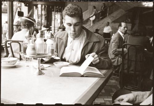 Stanley Kubrick for LOOK Magazine. Walter Cartier, Prizefighter of Greenwich Village [Walter Cartier eating in a restaurant.]. 1948. X2011.4.11122.88D.