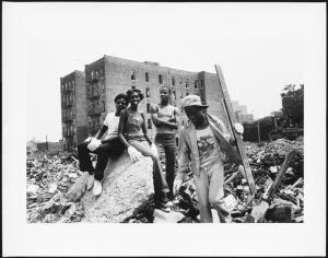 Teens clean up the rubble in order to create a neighborhood garden, Mel Rosenthal, 1976-1982. Museum of the City of New York. 2013.12.25
