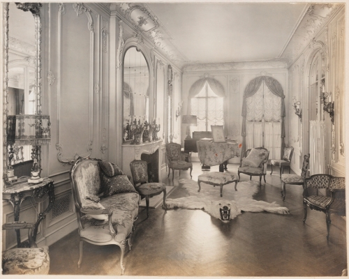 Unknown photographer. Residence of Mrs. David Heller, 4 East 82nd St., N.Y.C. Music room. ca. 1915-1930. Museum of the City of New York.  X2013.139.353B.