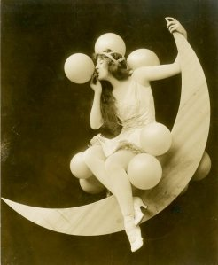 Sybil Carmen in the Ziegfeld Midnight Frolic, 1915. From the Theater Collection. Museum of the City of New York, 59.271.16.