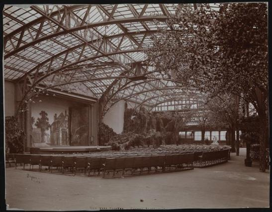 Byron Company (New York, N.Y.) Roof Garden, New York Theatre. ca. 1901. Museum of the City of New York, 93.1.1.10877.