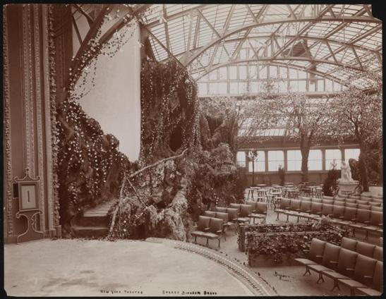 Byron Company (New York, N.Y.) Roof Garden, New York Theatre. ca. 1901. Museum of the City of New York. 93.1.1.10880.