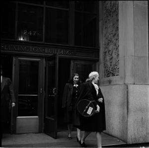 Stanley Kubrick for LOOK magazine, 1946. People Mugging [Women walking out of a building.] ©SK Film Archives/Museum of the City of New York.