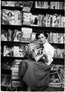 Stanley Kubrick. 1949. Vaughn Monroe [Woman reading Billboard magazine.] ©SK Film Archives/Museum of the City of New York.