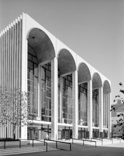 Edmund V. Gillion. Metropolitan Opera House, Lincoln Center, 1971.  Museum of the City of New York, 2013.3.2.1716.