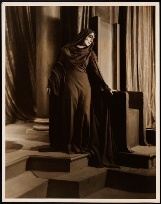 "Vandamm. [Blanche Yurka as the First Narrator in ""Lucrece"".] 1932. Museum of the City of New York. 33.34.28"