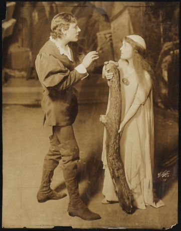 White Studio. [Henry Stanford as Ferdinand and Jane Grey as Miranda.] 1916. Museum of the City of New York. 59.271.360.
