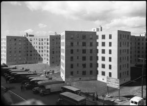 Wurts Bros. (New York, N.Y.), [Vernon Boulevard. Queensbridge Housing Project New York City Housing Project #N.Y. 5-2, exterior of first unit finished.], 1939. Museum of the City of New York. X2010.7.1.16654