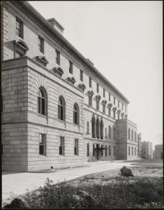 Wurts Bros. (New York, N.Y.), Grand Concourse. Andrew J. Freedman home, ca. 1924. Museum of the City of New York. X2010.7.2.22301