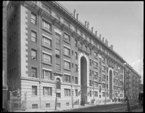 Wurts Bros. (New York, N.Y.), 325-335 East 31st Street. Phipps tenements, ca. 1905. Museum of the City of New York. X2010.7.1.417