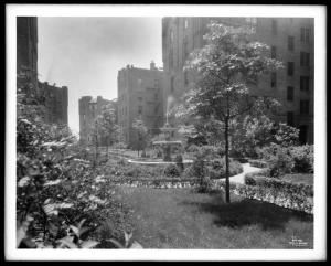 Wurts Bros. (New York, N.Y.), Sedgewick Avenue and Gun Hill Road. Amalgamated Clothing Workers Apartments, 1929. Museum of the City of New York. X2010.7.1.6789