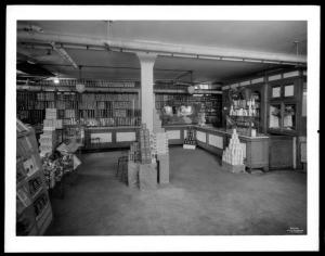 Wurts Bros. (New York, N.Y.), Sedgewick Avenue and Gun Hill Road. Amalgamated Clothing Workers Apartments, [super market] interior, 1929. Museum of the City of New York. X2010.7.1.6791