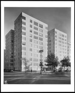 Wurts Bros. (New York, N.Y.), 930 Grand Concourse at 163rd Street. Ashley Apartments, Inc., general view from north, 1948. Museum of the City of New York. X2010.7.1.13308