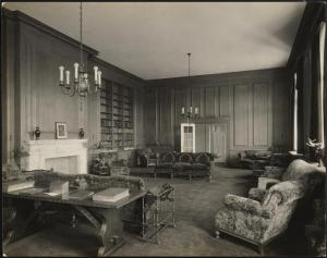 Wurts Bros. (New York, N.Y.), Grand Concourse. Andrew J. Freedman home. Interior, library, 1924. Museum of the City of New York. X2010.7.2.17343