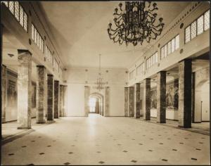 Wurts Bros. (New York, N.Y.), 851 Grand Concourse. Bronx County Courthouse. Interior, Veteran's Memorial Hall, 1934. Museum of the City of New York. X2010.7.2.5901