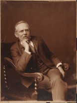 [Jacob Riis], Pach Brothers, 1903: Museum of the City of New York, Gift of Joseph Werner Reed, F2012.58.1059.