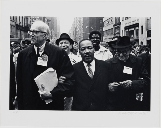 Benedict J. Fernandez, untitled [Dr. Martin Luther King, Jr., Dr. Benjamin Spock and Monsignor Rice], April 15, 1967. Museum of the City of New York, 99.150.9.