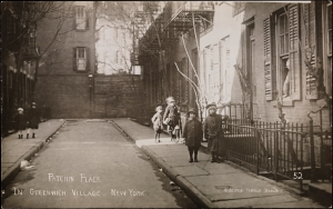 Jessie Tarbox Beals (1870-1942) Patchin Place in Greenwich Village, 1905-1920. Museum of the City of New York. 95.74.8