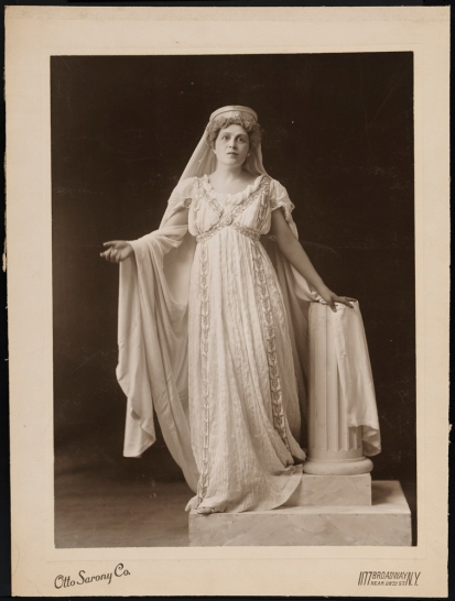 Otto Sarony Co. [Viola Allen as Hermione.] ca. 1904. Museum of the City of New York. 45.202.51.