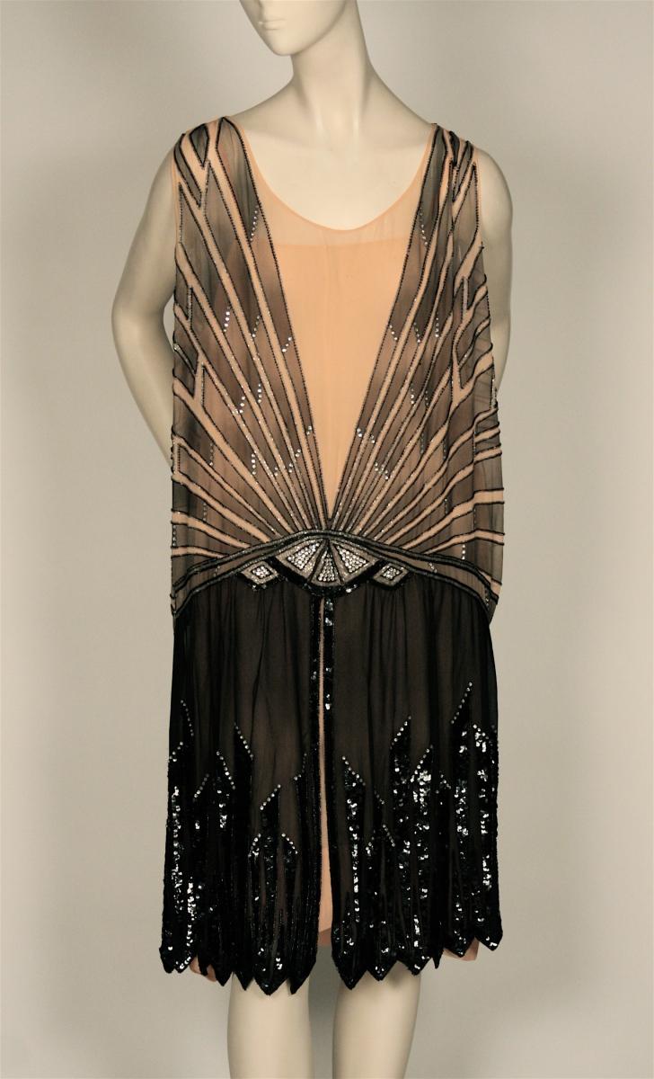 Corsets Begone: Women\'s Fashions of the Roaring Twenties | MCNY Blog ...