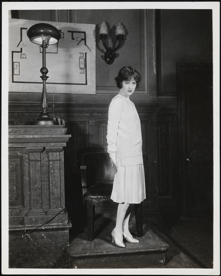 Florence Vandamm. [Francine Larrimore as Roxie Hart in Chicago.] 1926. Museum of the City of New York. 48.210.887.