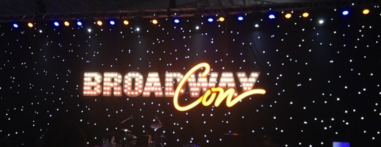 Backdrop of the mainstage at BroadwayCon 2017.