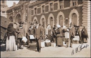 Burt G. Phillips. [Ellis Island.] ca. 1907. Museum of the City of New York. X2010.11.10001